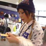 【盗撮動画】ニット帽をかぶったショップ店員のお姉さんに逆さHERO氏が無断パンチラ収録!!