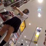 【盗撮動画】セーラー服美少女のパンチラを隠し撮りしまくった挙句にスカート捲った危険行為!!