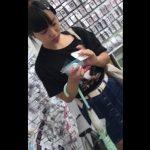 【HD盗撮動画】危なイイやつです!JC中○生どころかJS小○生級の美少女のパンチラ逆さ撮り!!
