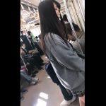 【HD盗撮動画】電車で見かけた美少女JKのパンチラを高画質カメラで幾度となく逆さ撮りwww