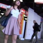 【HD盗撮動画】街中で発見した清楚美人なお姉さんを追跡してパンチラを綺麗撮りしまくるwww