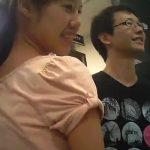 【HD盗撮動画】レンタルDVD店で彼氏同伴の清楚系美人お姉さんのパンチラを無断撮影www