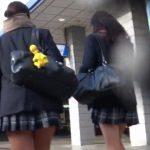 【HD盗撮動画】現役ピチピチの制服女子高生ちゃんを尾行しながらパンチラを隠し撮り放題www