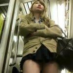 【HD盗撮動画】瑞々しく張りのある太腿が堪らない現役女子校生を尾行しながらパンチラ撮影!