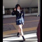 【盗撮動画】マジかよ!超可愛らしい制服美少女を尾行してスカート捲りパンチラ!ピンクの時計