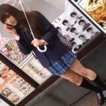 【盗撮動画】超可愛い制服女子校生を果てしなく追跡しながらパンチラを無断撮影したwww
