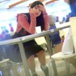 【HD盗撮動画】ショッピングモールでロリパン美少女のJC中○生からパンチラを隠し撮りwww