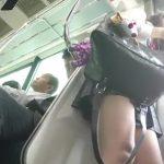【HD盗撮動画】ちょっと気の強そうな美少女JKの抜群の太腿とパンチラを撮影した!!