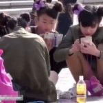 【盗撮動画】即削除!某テーマパークで大問題になりそうなアドケナイ美少女達のパンチラを撮影!!