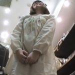 【盗撮動画】Mr.研修生!股間の膨らみがマジ最強!驚愕の激カワ美人ショップ店員のパンチラ接写!!