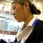 【HD盗撮動画】場所バレ逆さHERO!思いっきりDHC編!!!清楚な美人ショップ店員のお姉さまのパンチラ!!