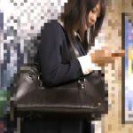 【HD隠撮動画】痴漢魔が映像公開!!!満員電車で制服美少女の女性器の温もりと湿り具合を強引に堪能!