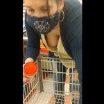 【HD盗撮動画】ホームステイ先の熟女ママが買い物最中に胸チラ生チチが凄くてオカズ用に隠し撮りwww