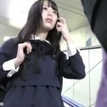 【盗撮動画】清純ピュアな美少女の女性器を弄ぶ!電車内で敢行された過激痴漢行為の一部終止!!