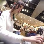 【盗撮動画】逆さHERO!前髪オン・ザ・オデコの激カワ美人ショップ店員さんのパンチラ攻略www