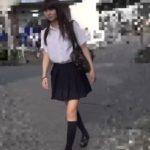【盗撮動画】スレンダー美脚美少女の制服女子校生をストーカーして極上パンチラをGETしてるwww