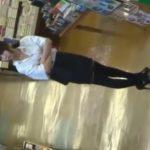 【盗撮動画】タイトスカートにニーハイの美人お姉さんのパンチラを逆さ撮り攻略した一部終止www