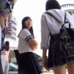 【盗撮動画】制服美少女二人組に粘着!バス内で逆さ撮りされたパンチラ危険映像!!