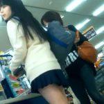 【HD盗撮動画】完全アイドル級の色白美少女な女子校生を逆さ撮りしてパンチラ攻略www