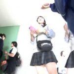 【盗撮動画】学際に潜入して現役JK美少女達のパンチラを乱獲とかいう危険行為!!