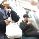 【HD盗撮動画】電車で見かけた清純そうな制服女子校生をストーカーしてパンチラ攻略www