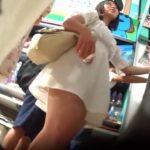 【盗撮動画】白ワンピースの清楚美人なお姉さんの巨尻に食い込むパンチラGETwww