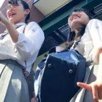 【HD盗撮動画】可愛らしい女子校生二人組に話しかけて清純パンチラを無断撮影!!