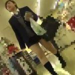 【盗撮動画】ショートヘア制服美少女のムチムチ下半身からパンチラ隠し撮りとかwww