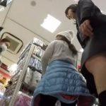 【盗撮動画】完全危険行為!清純美少女のJC中◯生のスカートを捲りパンチラ隠し撮り!!