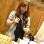 【盗撮動画】逆さHERO!逆さも正面もアリアリ!ショップ店員のお姉さんのパンチラ映像!
