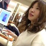 【盗撮動画】逆さHERO!美人ショップ店員のセクシーお姉さまの股間からパンチラ攻略www