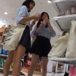 【HD盗撮動画】イイやつです!清純系ショートヘア美少女とお友達の生足ムニュ尻パンチラwww