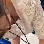 【盗撮動画】パンチラ胸チラ乳首ちゃんコンニチワ!ショップ店員のメガネ女子が無防備すぎた!