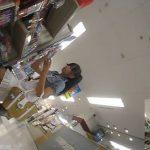 【盗撮動画】超SSSSS級美少女系ギャルの買い物中に隠し撮りしたパンチラ映像が神レベルwww