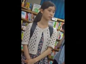 【盗撮動画】イイやつです!まさかの危険物!!!!JS小◯生美少女の危険すぎる本物パンチラ!!