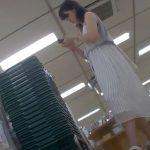 【盗撮動画】白のロングワンピースが清楚な美人ギャルを靴カメ駆使してパンチラ攻略!!!
