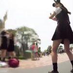 【盗撮動画】イイやつです!夢の国ディ○ニーランドではしゃぐ超絶美少女たちのパンチラ!!