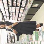 【盗撮動画】観覧注意!清純な制服女子校生を店内で逆さ撮りした本物投稿パンチラ映像!!