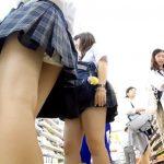 【HD盗撮動画】画質良好!コンビニ店内で美少女JKばかりを狙ってパンチラ乱獲した!!