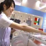 【盗撮動画】逆さHERO!ベビー用品売り場の可愛いショップ店員のパンチラ隠し撮り!