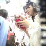 【盗撮動画】見逃し厳禁!電車でゴスロリ系ファッションの素人娘のパンチラ隠し撮り!!