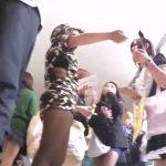 【盗撮動画】学際に潜入してパンチラ隠し撮り!美少女JKの下半身を逆さ撮り公開!!