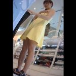 【盗撮動画】ほど良いムチムチ感が堪らん!買い物中美人さんのパンチラ隠し撮り!!