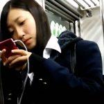 【HD盗撮動画】イイやつです!マジな清純美少女をストーカーして禁断の捲りパンチラ!!