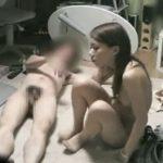 【盗撮動画】素人投稿!お気に入りのデリヘル嬢とのプレイをオカズ用に隠し撮り!!