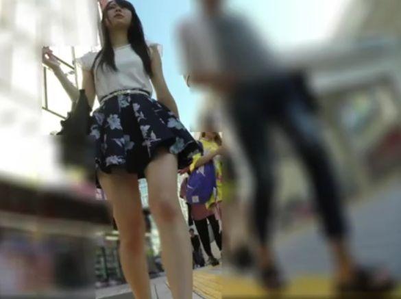 【盗撮動画】永久保存版!お洒落カップルの超絶なる美人ギャルのパンチラ隠し撮り!!